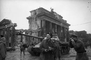 Căderea României în ghiare sovietice a deschis drumul spre Occident